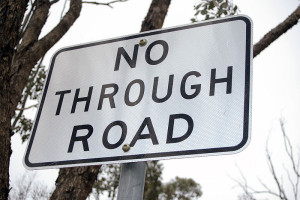 800px-Retroreflect_No_Through_Road_sign